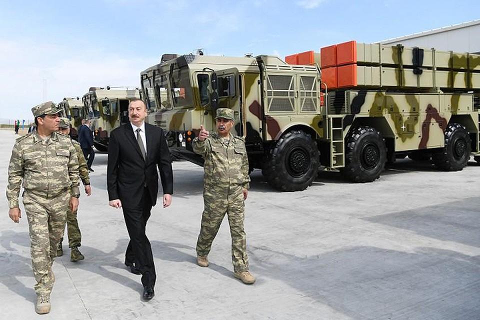 Беларусь продала «Полонезы» в Азербайджан – недовольна Армения. Фото: пресс-служба президента Азербайджана.
