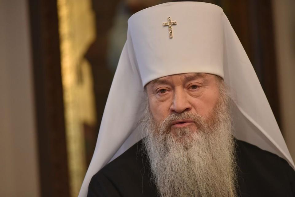 Митрополит Новосибирский и Бердский Тихон, считает, что в обществе пытаются забыть божьи заповеди, а безнравственность сделать нормой жизнью