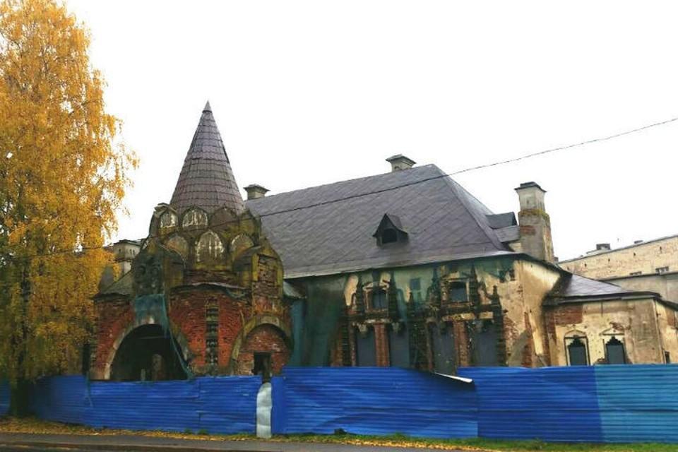 Царский павильон можно приспособить под ресторан Фото: КГИОП