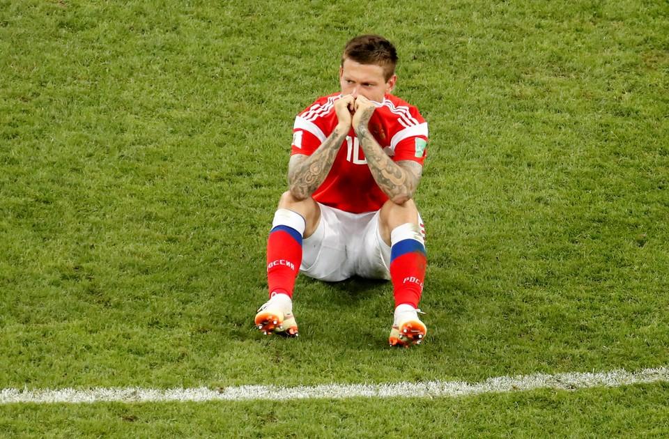 Нападающий сборной России Федор Смолов не забил во время серии пенальти