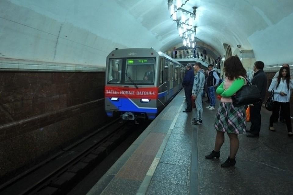 Человек попал под поезд 8 июня 2012 авиамоторная видео