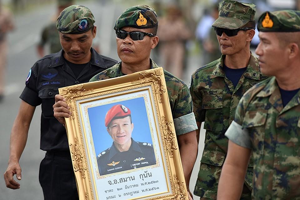 При спасении детей из пещеры в Таиланде погиб дайвер