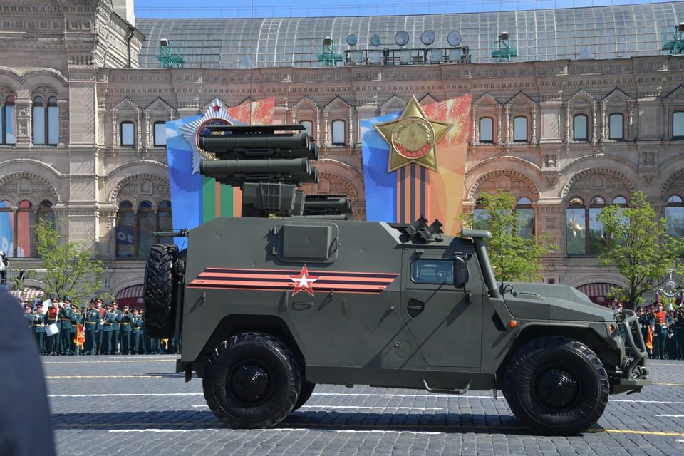 Многоцелевой бронеавтомобиль повышенной проходимости `Тигр-М` с противотанковым ракетным комплексом (ПТРК) Корнет-Д