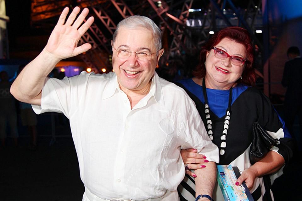 В антикварной среде, пару «Петросян-Степаненко» знают более чем хорошо