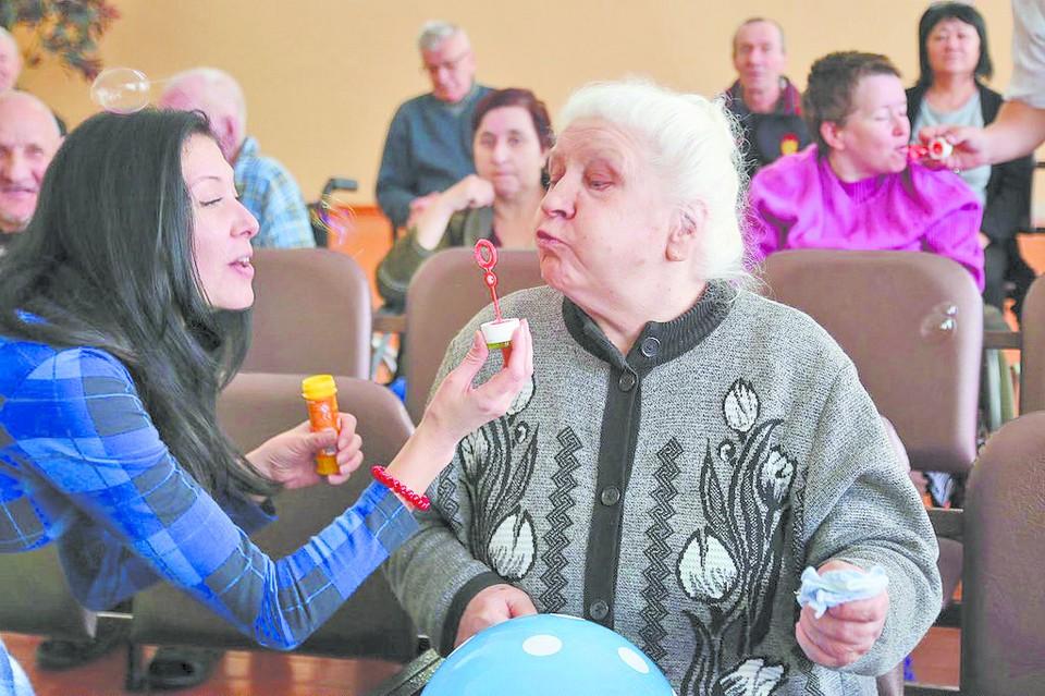 """Напишите в """"Комсомолку"""" о людях, которым хочется хотя бы на день сменить повседневную жизнь на жизнь-мечту"""