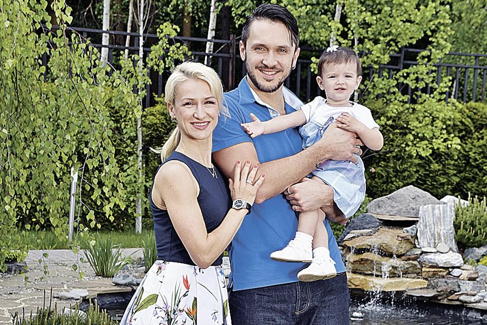 В 2015 году Максим Траньков и Татьяна Волосожар стали мужем и женой. Сейчас они участвуют в ледовых шоу и воспитывают полуторагодовалую Анжелику.