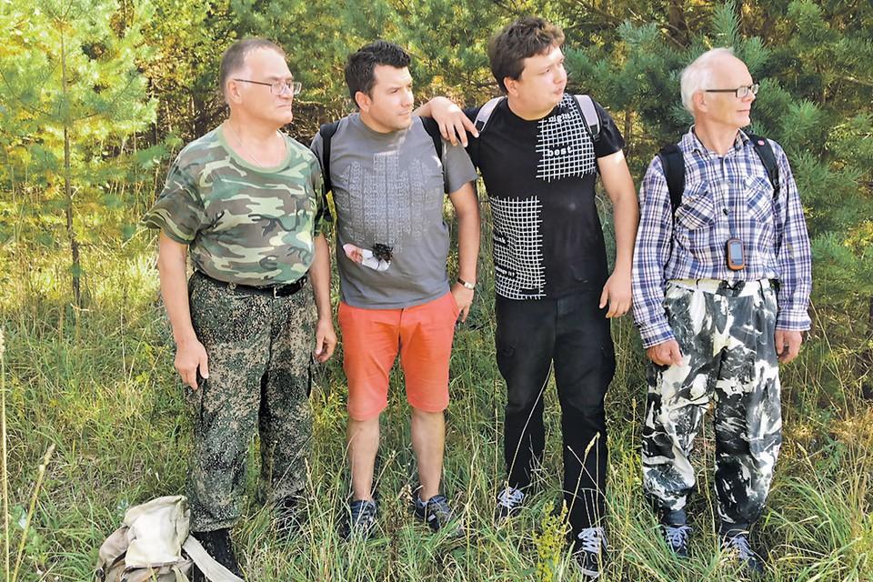 Участники «экспедиции» (слева направо): зоолог Николай Акоев, корреспонденты «КП» Александр Рогоза и Павел Клоков, кандидат биологических наук Андрей Строганов.