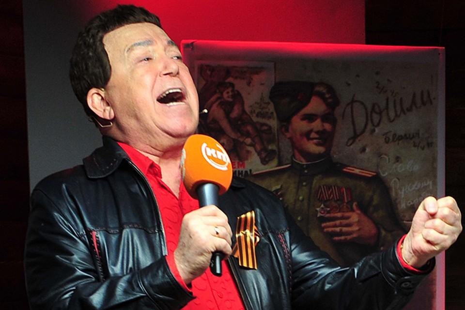 Иосиф Давыдович приехал к нам накануне Дня Победы 2008-го и находился в прямом эфире аж два часа
