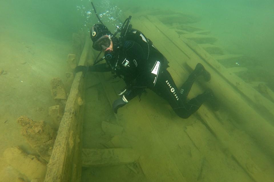 Корабль, в котором нашли флакон с парфюмом, обнаружили в прибережной зоне Евпатории. Фото: Черноморский центр подводных исследований