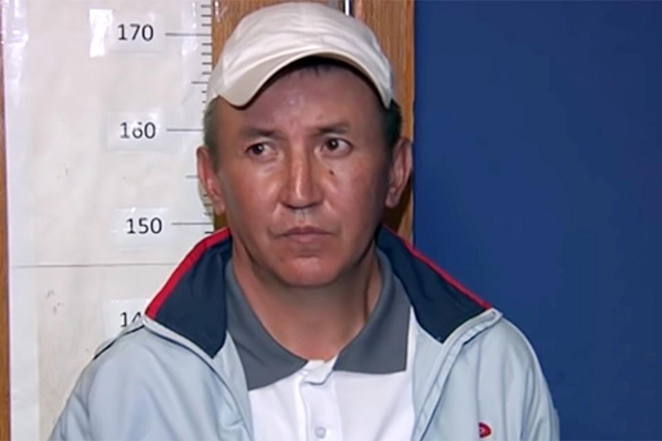 Мурадов родом из Киргизии, имеет регистрацию в Оренбургской области