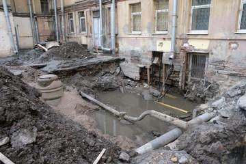 Два дефекта на один километр труб: аварийность на теплосетях Петербурга оказалась очень высокой
