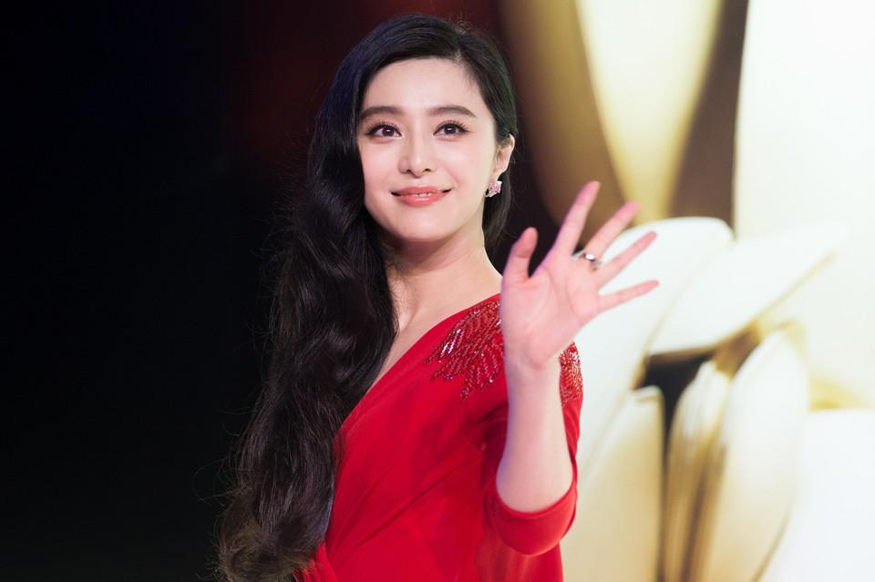 Китайскую актрису Фань Бинбин оштрафовали за уклонение от уплаты налогов