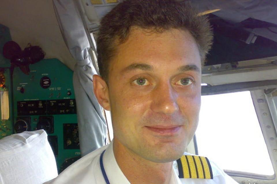 Михаил – потомственный летчик-испытатель, пошел по стопам отца