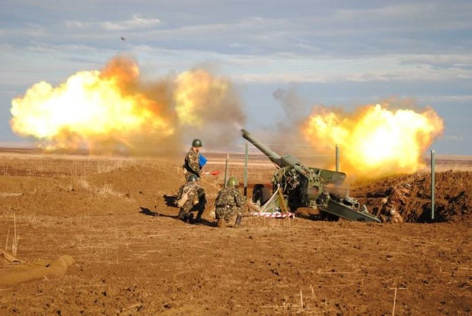 Украинский президент рассказал о возможных сценариях боевых действий и дал приказ стрелять из всего, что есть в наличии. ФОТО: gorlovka.today