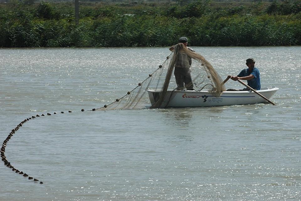 В России официально запретят ловить рыбу с помощью сетей, взрывчатки и химических веществ