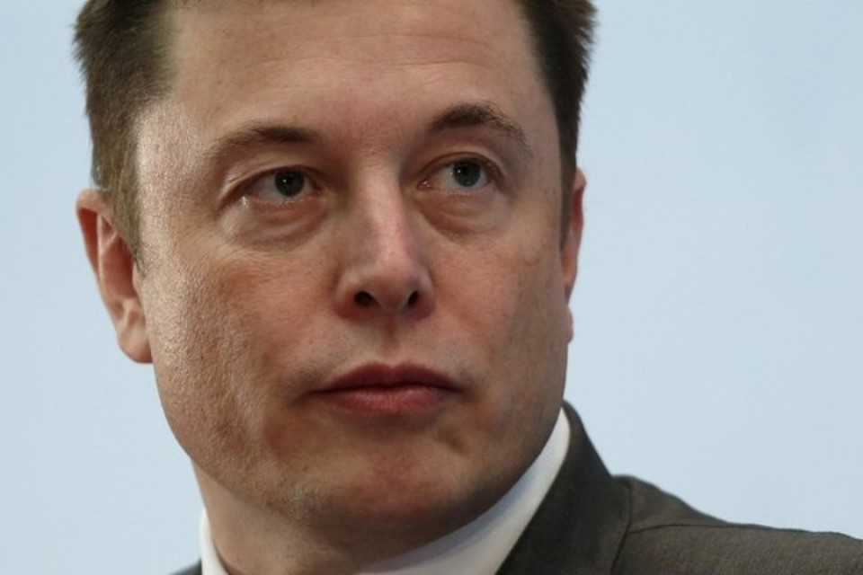 Илон Маск должен уйти с поста главы совета директоров Tesla как минимум на три года