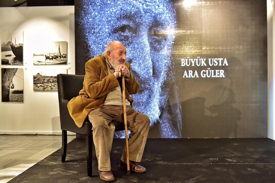 Турецкий фотожурналист Ара Гюлер