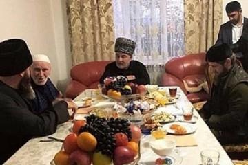 Кадыров приехал в Ингушетию на встречу с лидером митингующих против обмена землей с Чечней