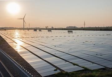 Пора сменить батарейки. Как развивается малая и альтернативная энергетика в России