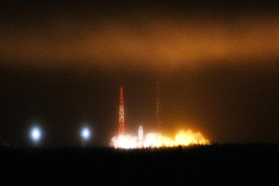 С космодрома Плесецк стартовала ракета-носитель «Союз-2.1б» с навигационным спутником «Глонасс-М». Фото: Сергей Медведев/ТАСС