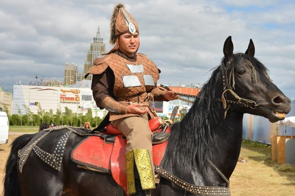 В Казахстане каскадер умер после выполнения трюка на вечеринке в честь Хэллоуина