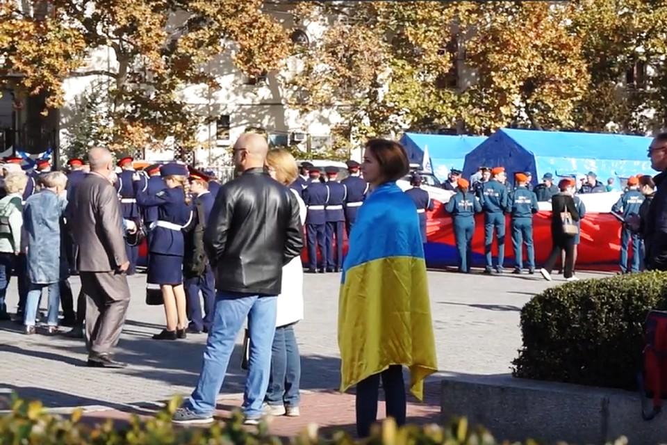 Алена Бардовская в Севастополь приехала в День народного единства. Фото: кадр видео.