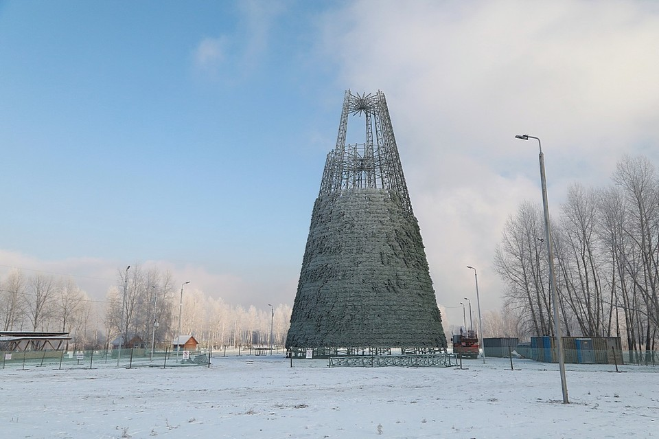 Самая высокая елка в Красноярске будет весить 65 тонн