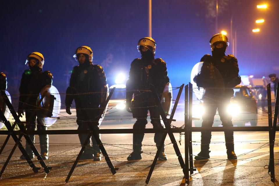 Во Франции террорист потребовал встречи с Макроном