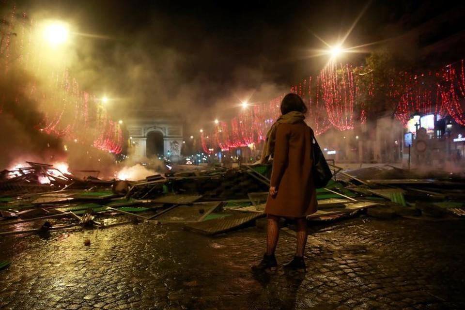В субботу, 24 ноября, по всей Франции проходят протесты «желтых жилетов»