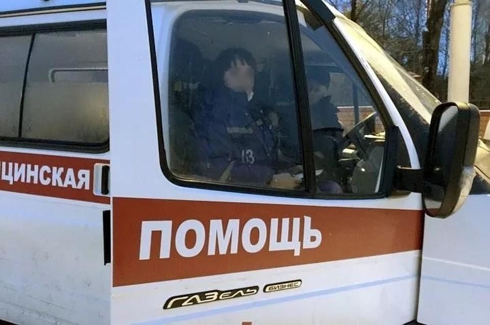 Протрезвевший мститель решил, что медики порвали его куртку, и пошел искать обидчиков. Фото: ГОПАЛО Ольга.