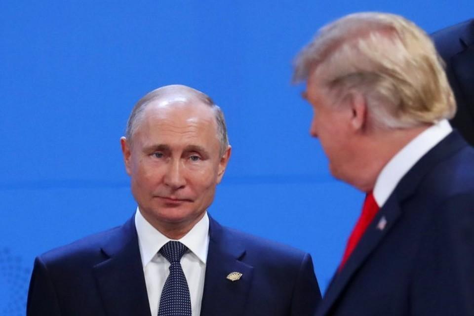 Президенты России и США Владимир Путин и Дональд Трамп на саммите в Буэнос-Айресе