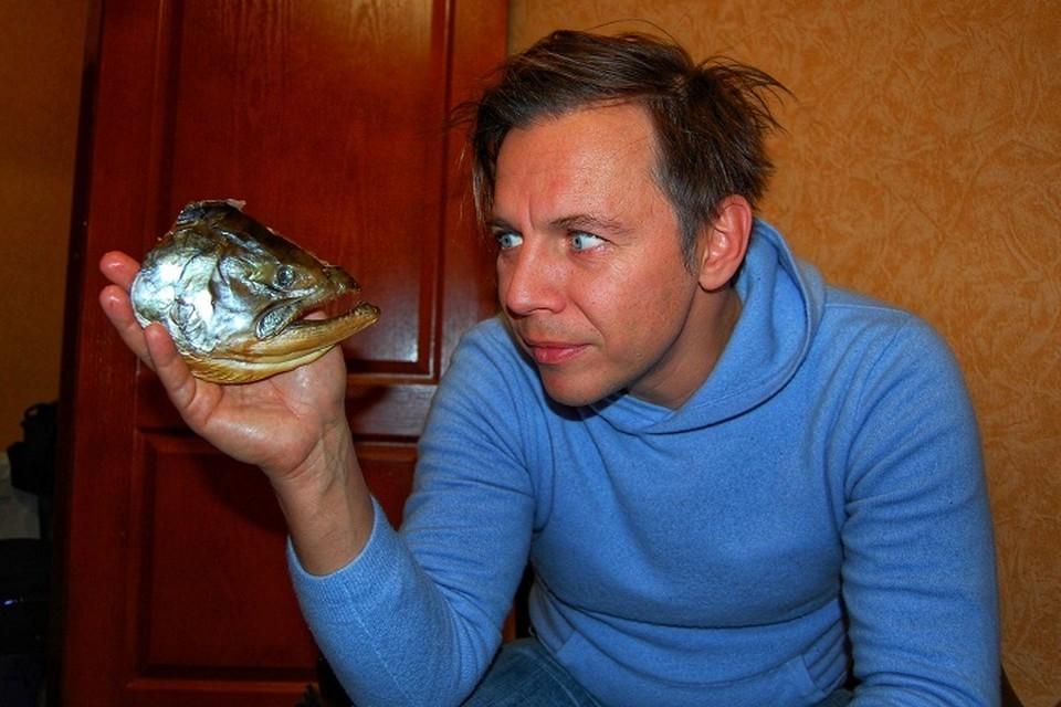"""""""Лагутенко как человек по-настоящему талантливый всё время занимается поисками..."""" (на гастролях в Магадане)."""