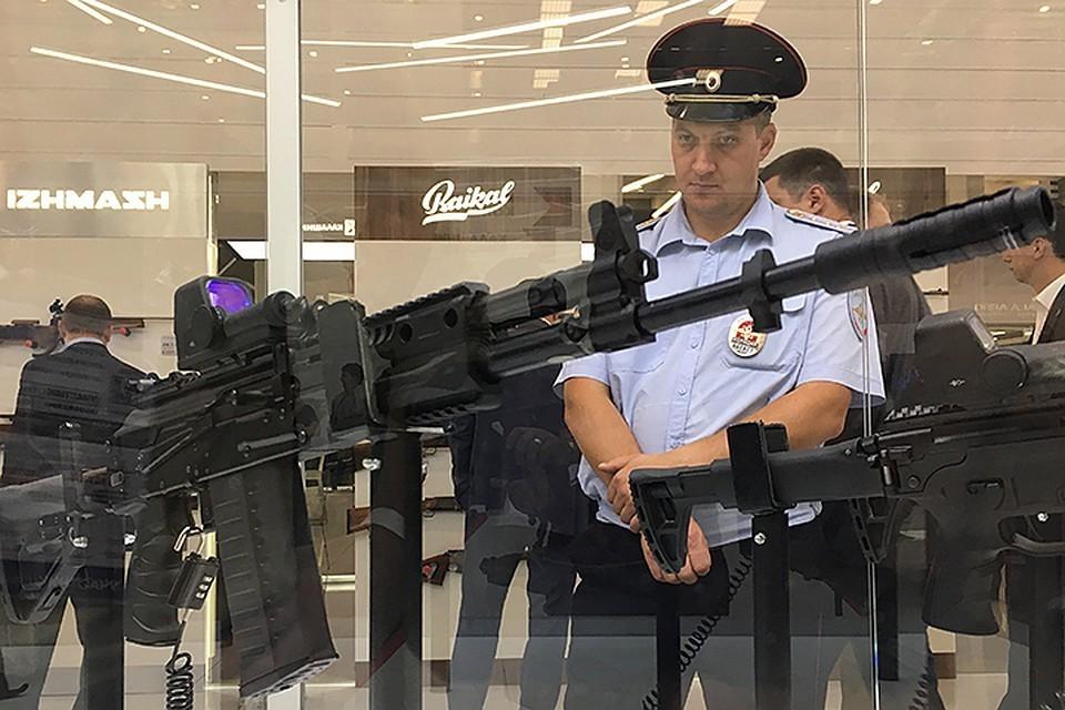 """""""Калашников"""" приступил к серийным поставкам автомата АК-12 для российской армии"""