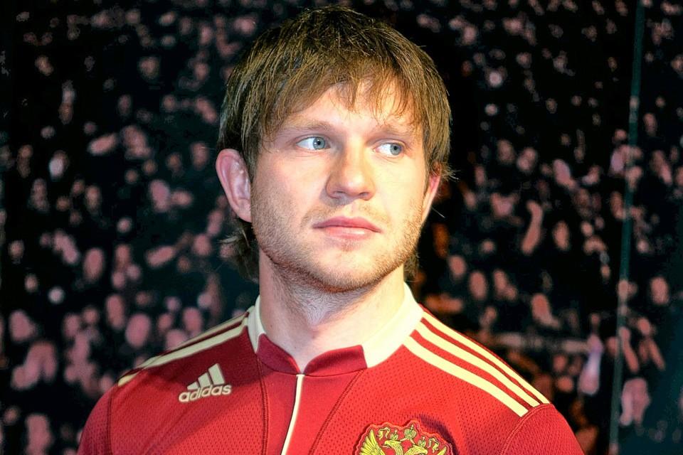 Футболист Иван Саенко на презентации новой формы сборной России, 2009 год.