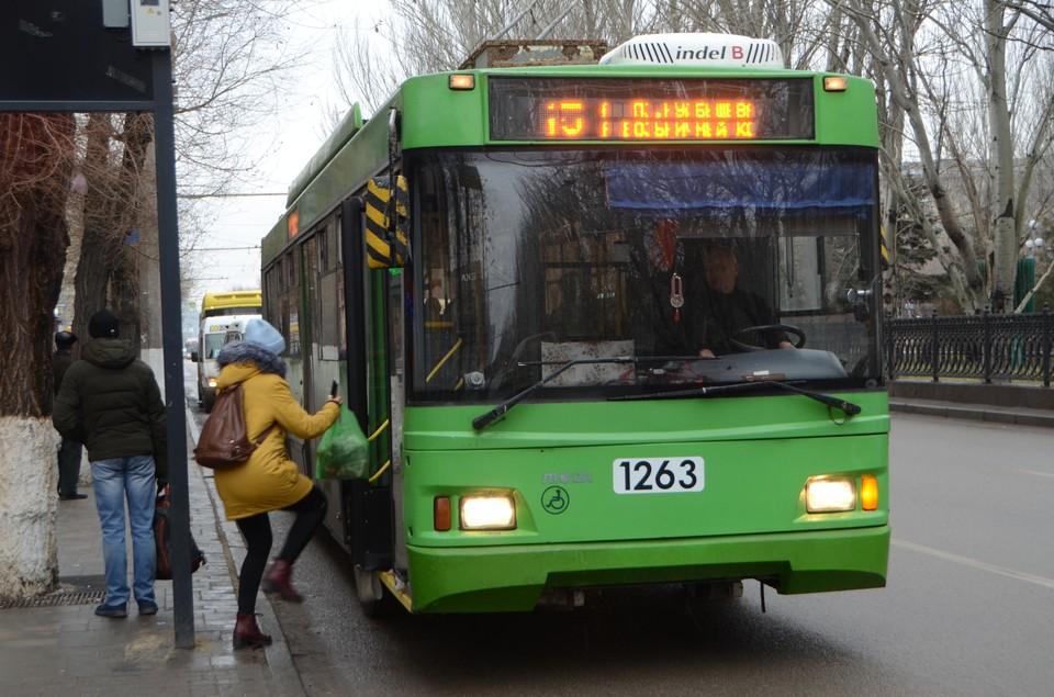 Волгоградцев после праздника на главной площади города развезут по домам автобусы, трамваи и троллейбусы.