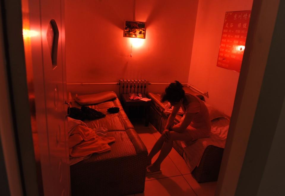 Китай может отменить наказание для лиц, занимающихся проституцией, и их клиентов