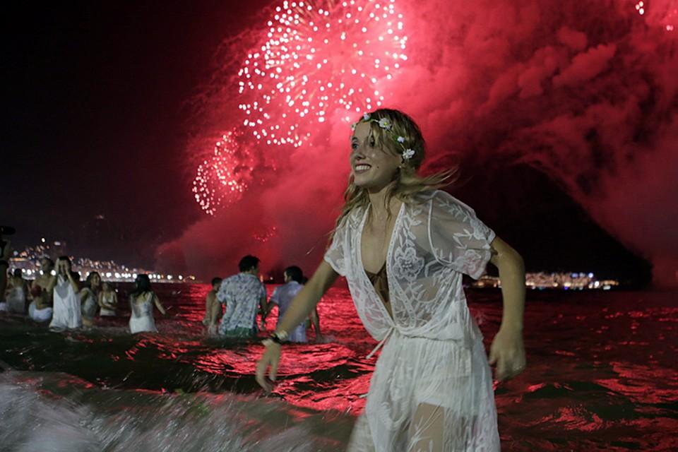 Даже в самых жарких странах хочется встретить Новый год так как мы привыкли дома