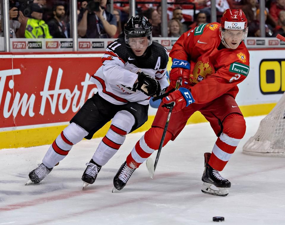 Россия играет против США в полуфинале.