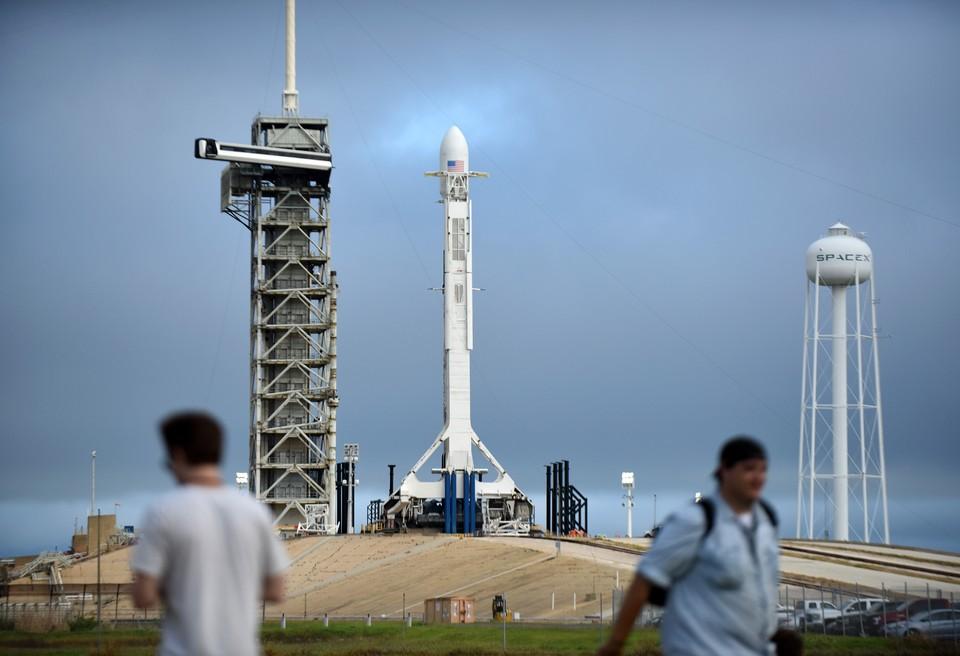 SpaceX уволит 600 своих сотрудников