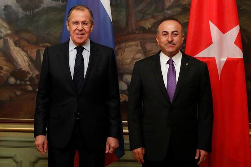Глава МИД России Сергей Лавров и его турецкий коллега Мевлют Чавушоглу