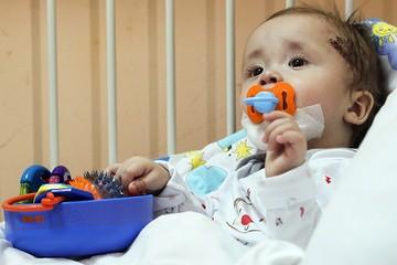 Мама малыша, чудом выжившего в Магнитогорске: «Первый день рождения Ванечки надеемся отметить дома!»