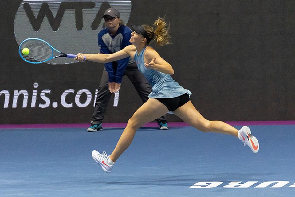 Мария Шарапова стартовала на турнире в Петербурге с победы.