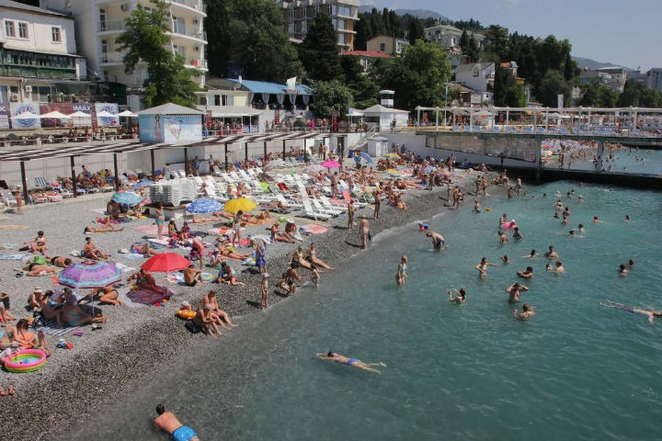 """""""Единые"""" билеты действуют в высокий сезон, когда в Крым массово едут туристы."""