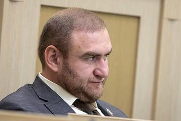 Арашуков потерял сон в СИЗО из-за соседа-террориста