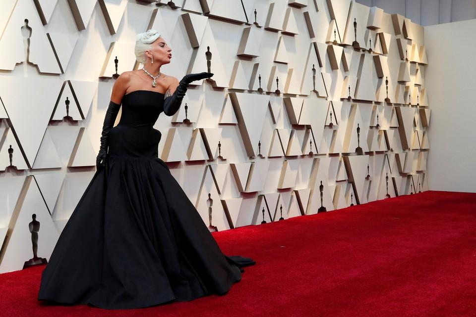 """Леди ГаГа получила Оскар в номинации """"лучшая песня"""" - ей стала Shallow из """"Звезда родилась"""""""