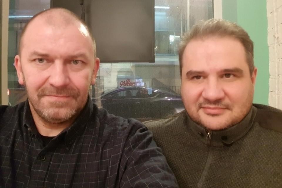 Александр Казаков (слева) и Александр Тимофеев в кафе. Фото: ВКонтакте