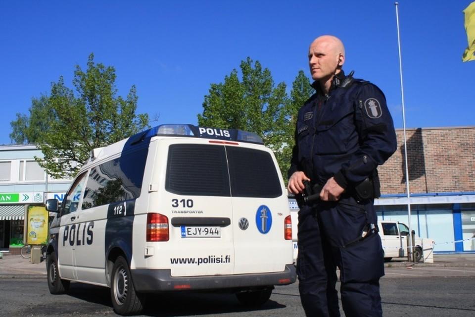 В Хельсинки мужчина ранил ножом ребенка и двух взрослых