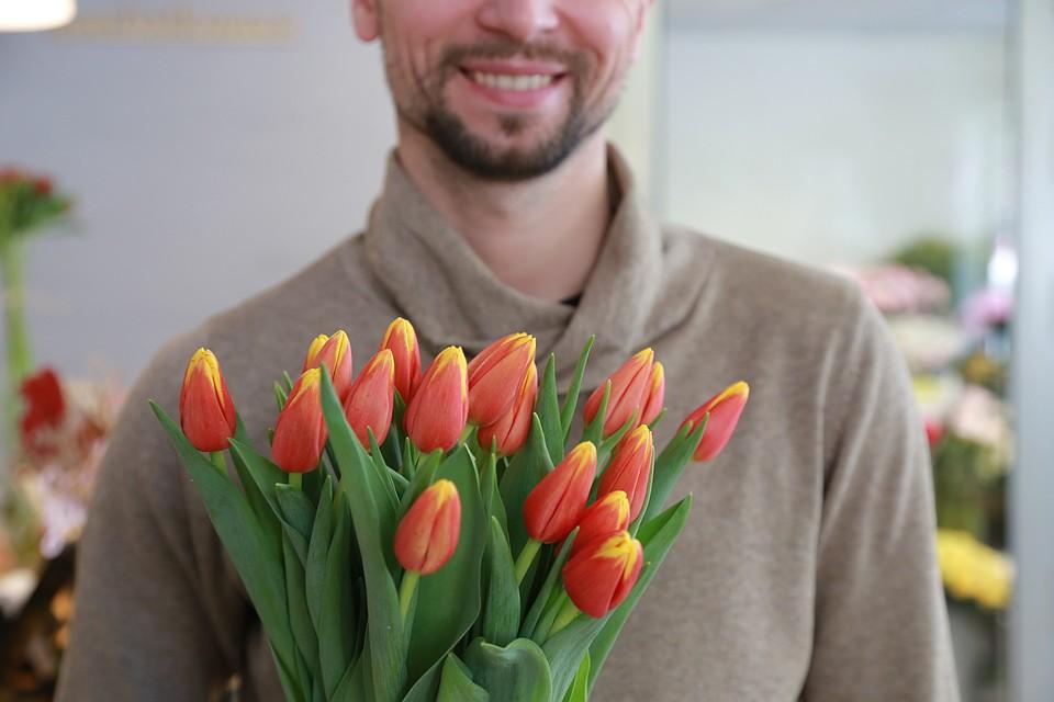 Как выбрать розы на 8 марта