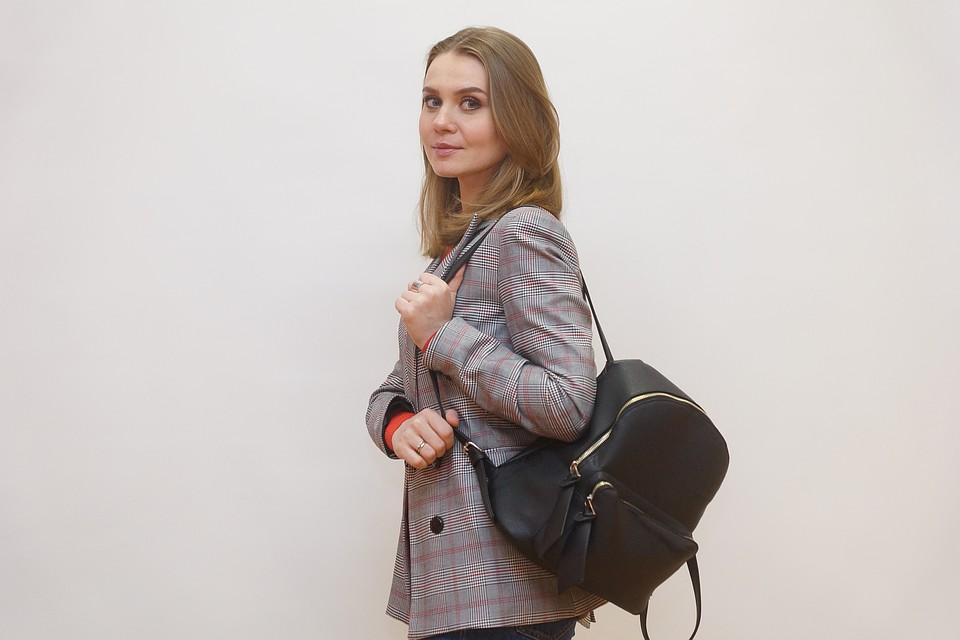 bc1c79e8f9a0 Что в сумочке тебе моей? Узнали, что носят с собой самарская актриса,  PR-специалист, экстрасенс и художник