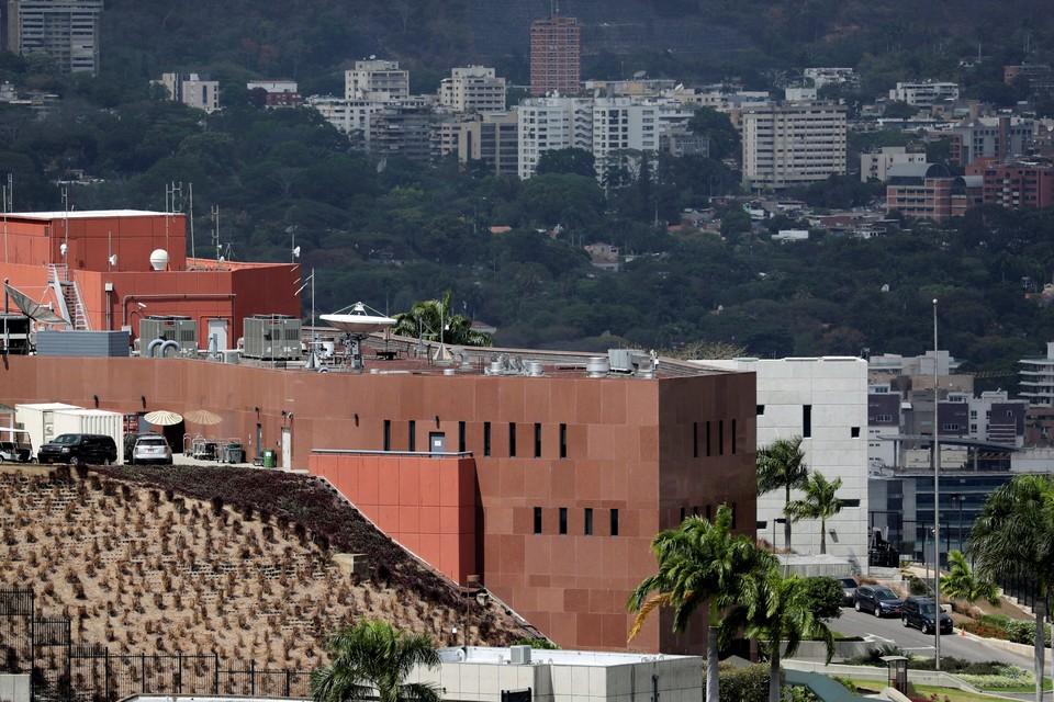 Опустевшее здание посольства США в Каракасе